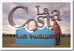 En 1947 las hermanas Leloir dueñas del campo El Tuyú, comenzaron a lotear el emprendimiento llamado Balneario Las Toninas